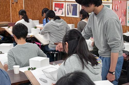 阿部永先生が一人一人懇切丁寧に指導してくれました。
